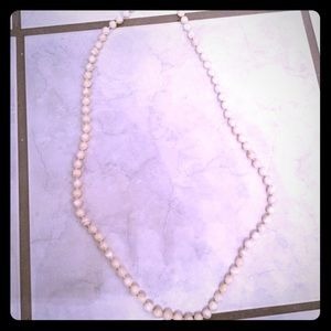 Jewelry - Pearl necklace costume jewelry
